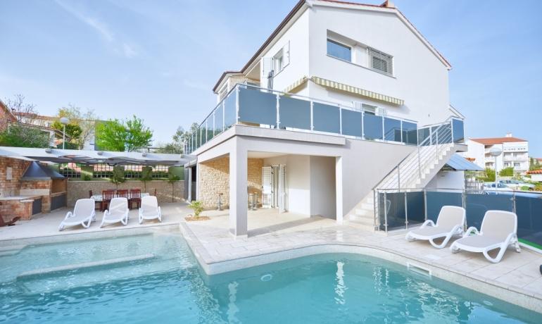 Villa 120