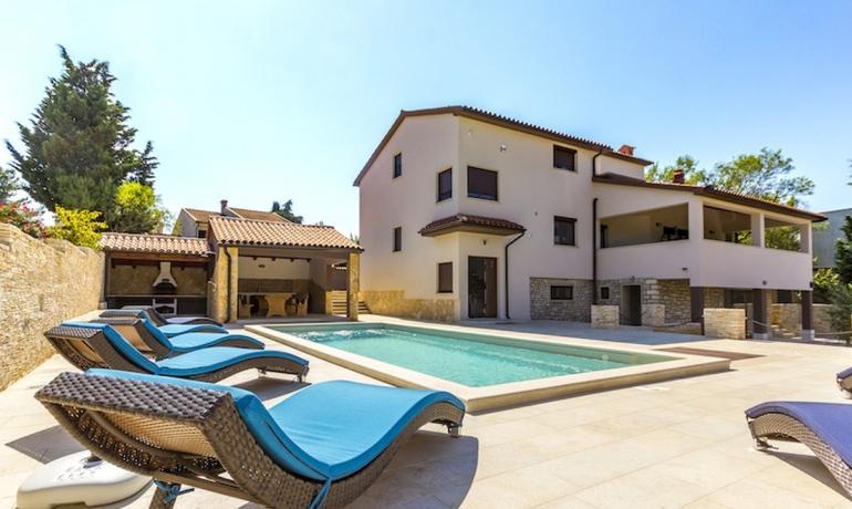 Villa 110